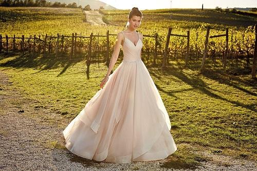 New-York-Bride-Raleigh-eddyk-ballgown-wedding-dress-ek1202