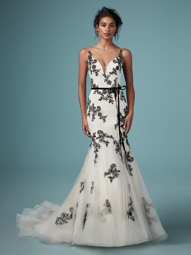 NYBG-Raleigh-wedding-dress-black-accents-Maggie-Sottero-Ally