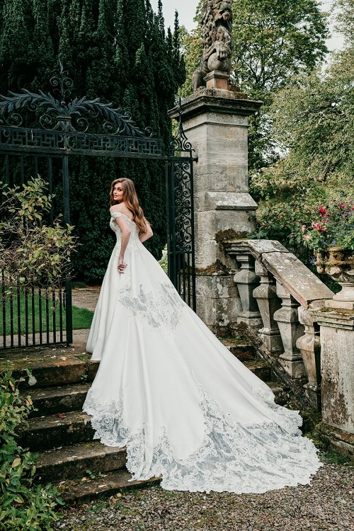 New-York-Bride-Groom-Raleigh-sweetheart-Allure-Bridals-C564