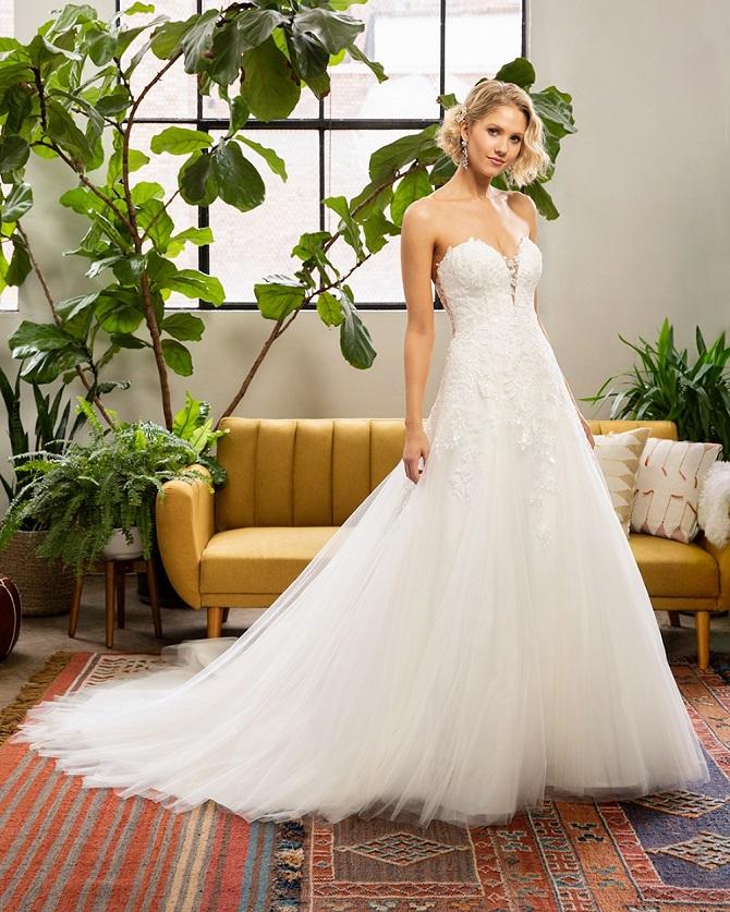 New-York-Bride-Groom-Raleigh-strapless-ballgown-belovedbycasablancabridal-style-bl325-miley.jpg